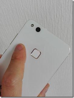 HUAWEI P10 liteの指紋認証センサー